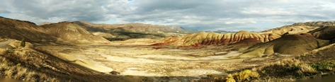 Painted Hills panorama view